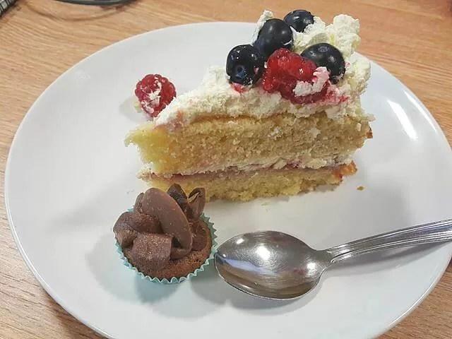fruit sponge cake