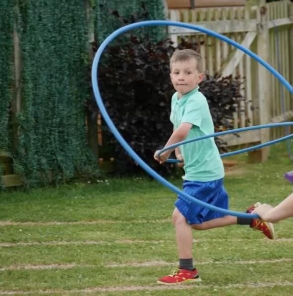hula hoop race - Bubbablue and me