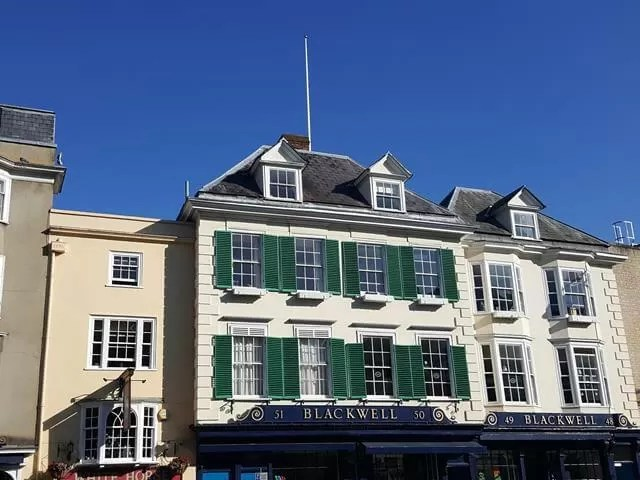 Blackwells frontage Oxford