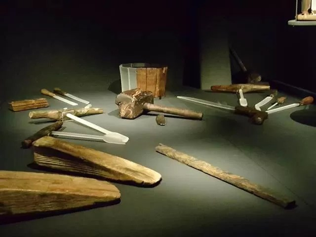 artefacts from the Mary Rose