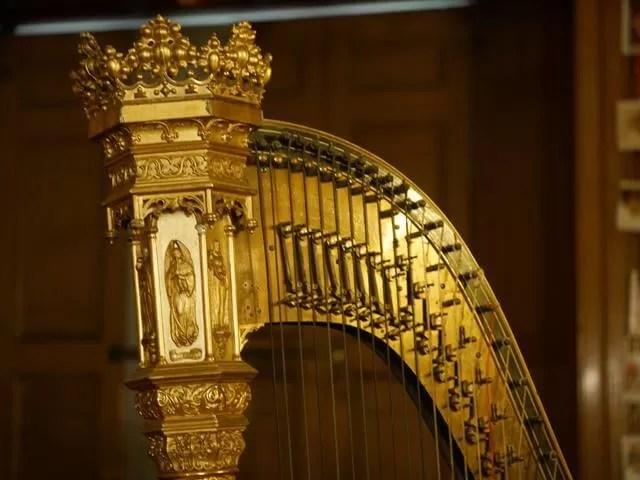 Charlecote park harp