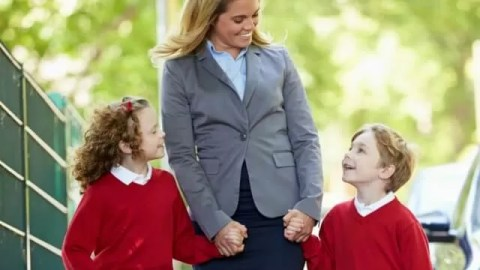 What makes a happy day for a working school mum
