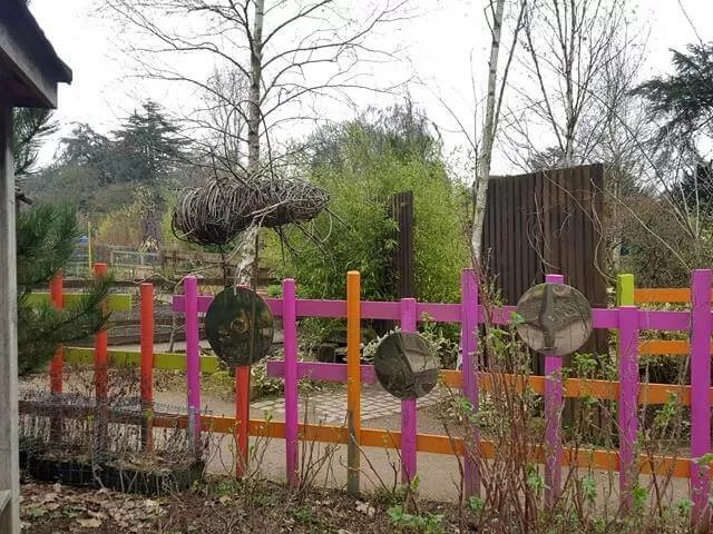 coloured fence at trentham sensory garden