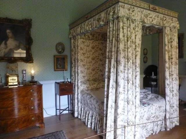 bedroom at no. 1 royal crescent.