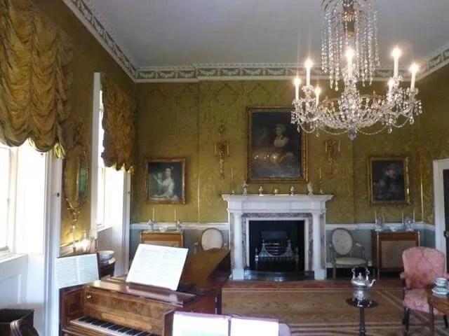 drawing room no 1 royal cresccent.