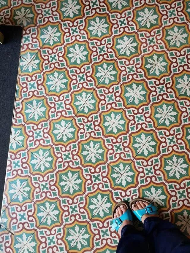 comptoir libanais floor