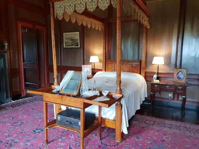 hanbury hall bedroom