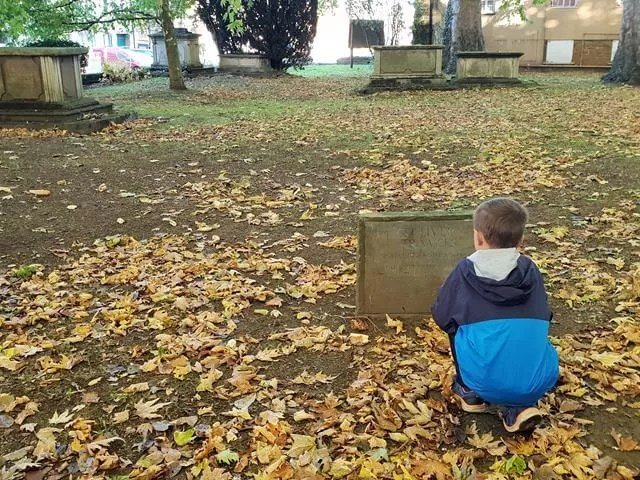 Gulliver's travels Swift tombstone