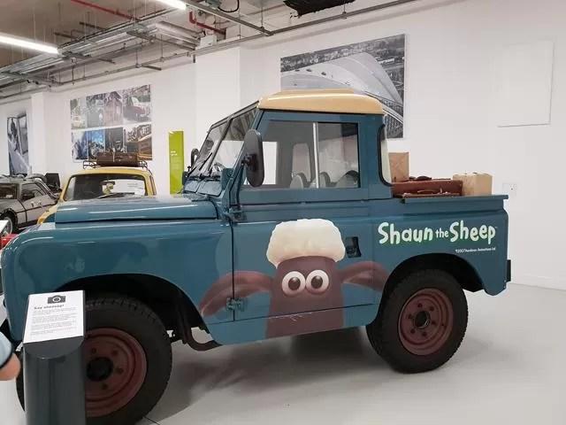 shaun the sheep landrover