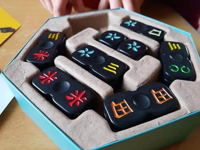 Cobra paw tiles in box