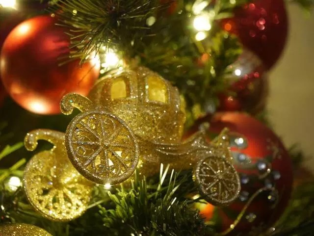 carriage bauble on tree