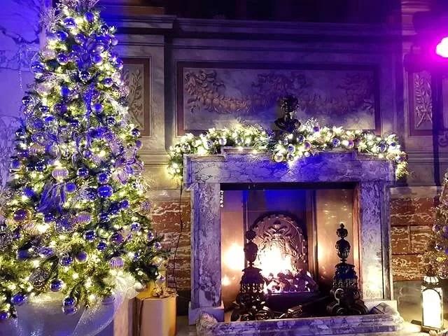 christmas mantle christmas display