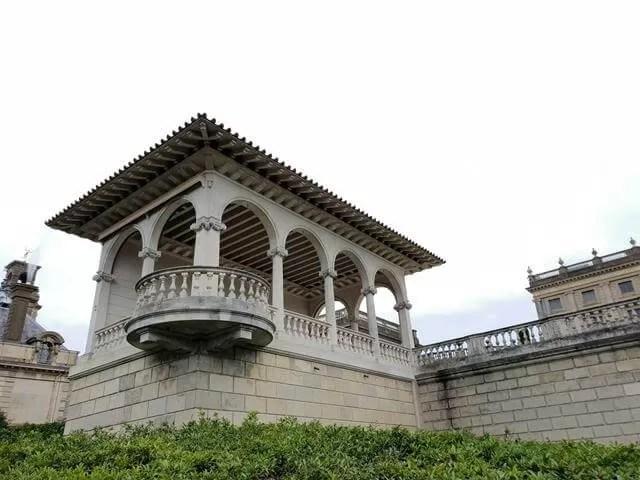 verona style balcony at cliveden