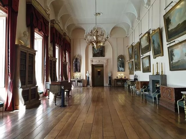 long gallery at castle howard