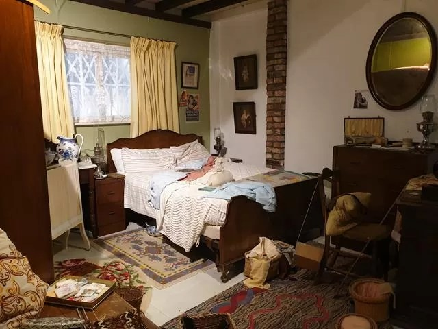 old bedroom set up