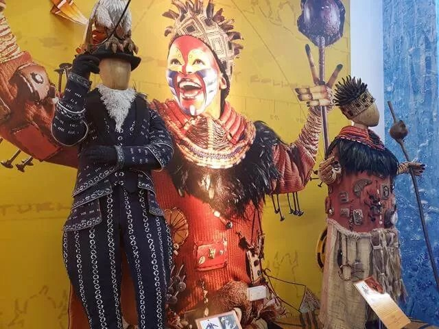 The lion kind theatre costumes