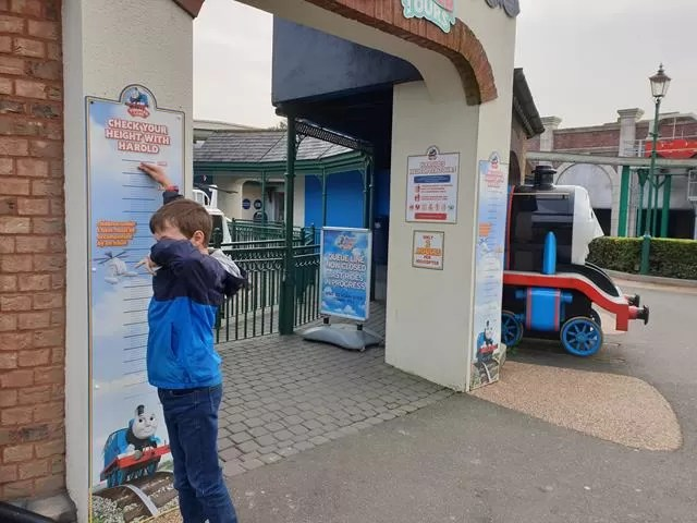 checking height at drayton manor