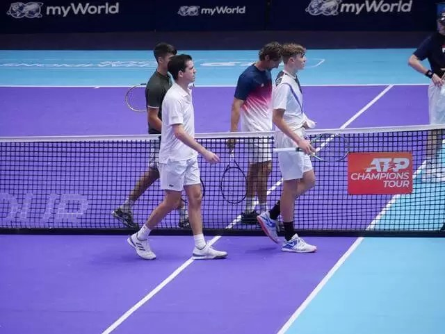 end of double match, players walking off court