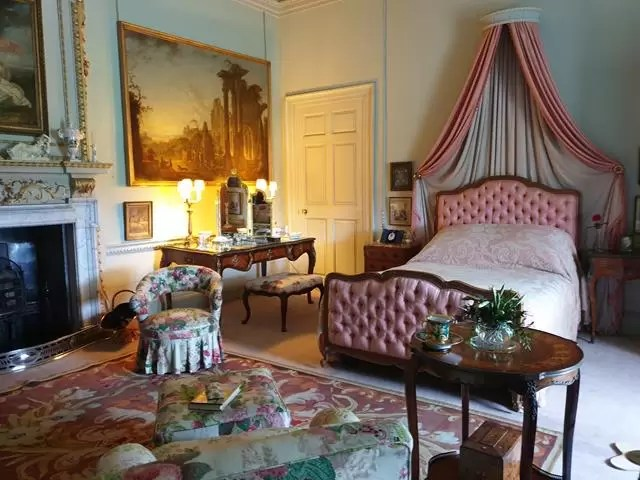 bedroom at wimpole estate