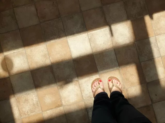 flip flops and nail polish summer weather