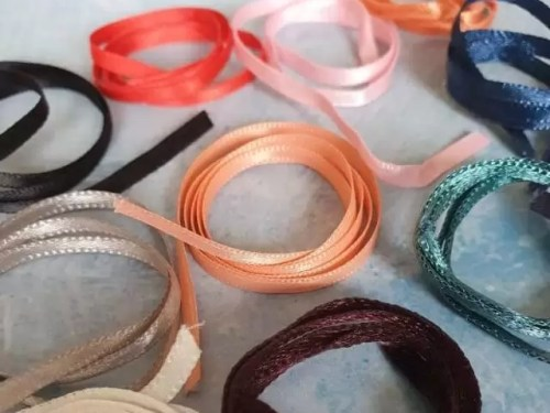23 uses for clothing ribbon loops