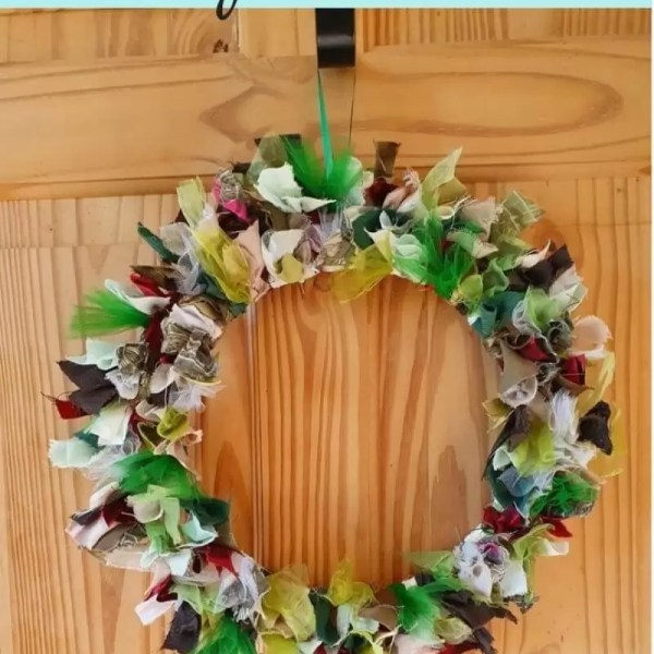How to make a rag wreath for Christmas and other seasons