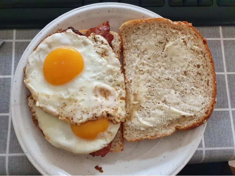 bacon and eggs butty
