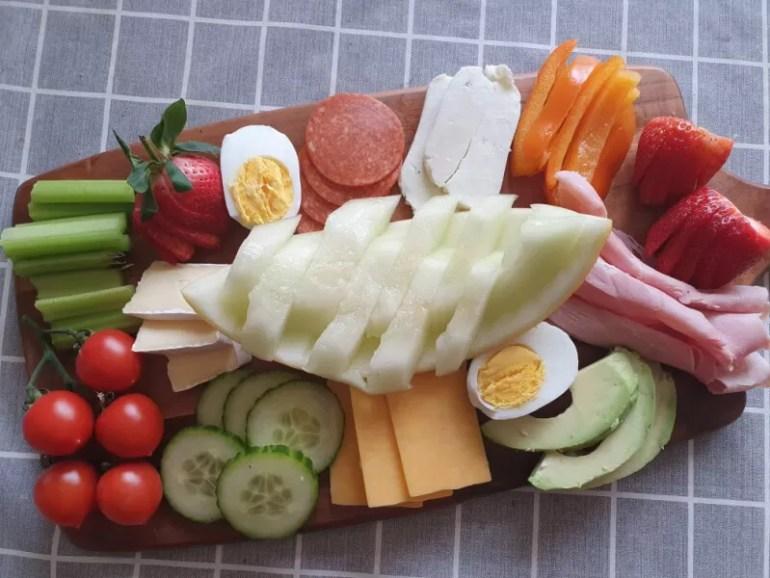 easy charcuterie board fo keto diet