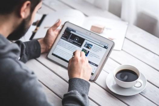 la digitalisation de la communication interne, tablette numérique