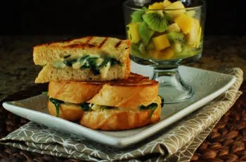lunch-sandwich, fruits-and-vegetables, lunch-for-child, healthy-lunch-ideas