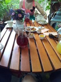 Prieteni si ceai