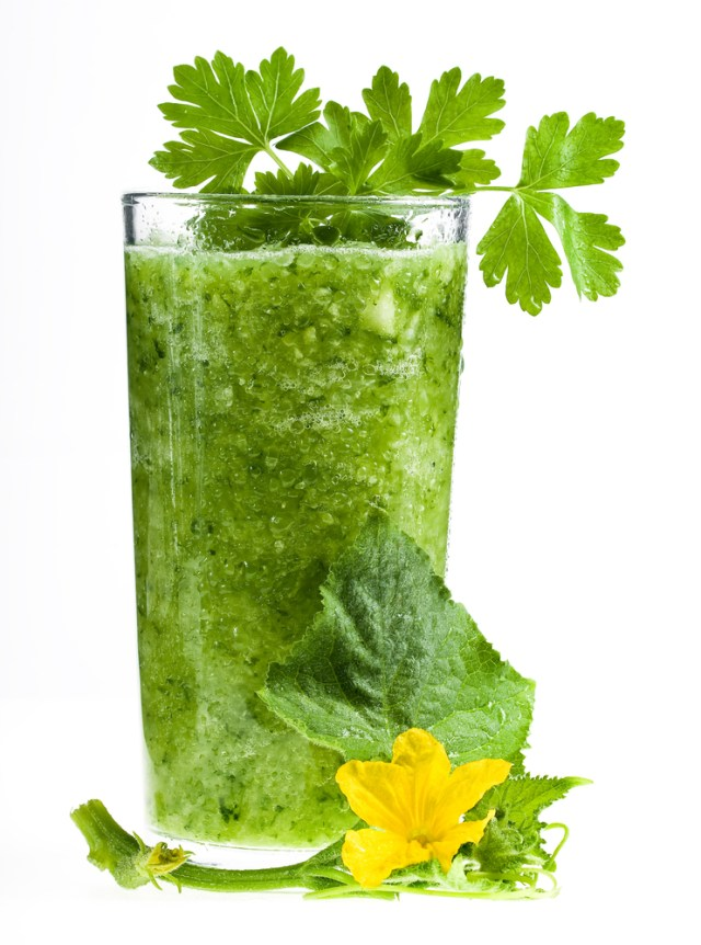 Green-Smoothie-blume-shutterstock_56192113