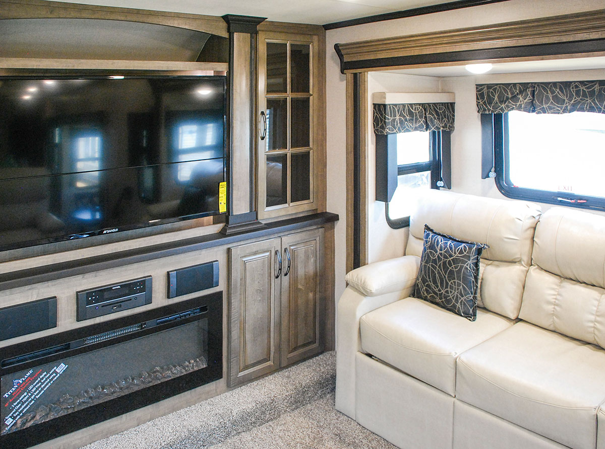 Front Living Rv S Popular Floorplans Bucars Rv Dealers