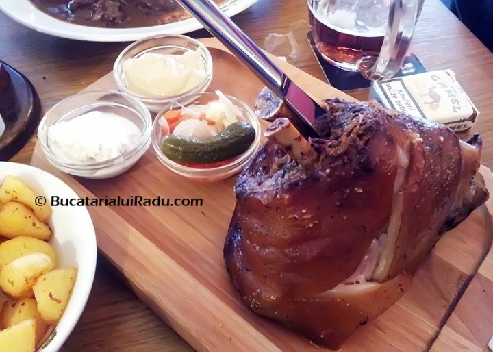 restaurant kolkovna ciolan de porc la cuptor