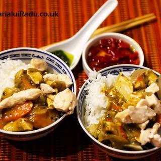 Pui chinezesc cu sos si orez basmati. Reteta orientala.