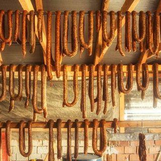 Carnati traditionali ardelenesti de porc 100%.