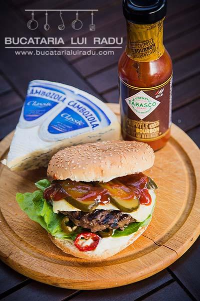 hamburger din carne de cangur preparat