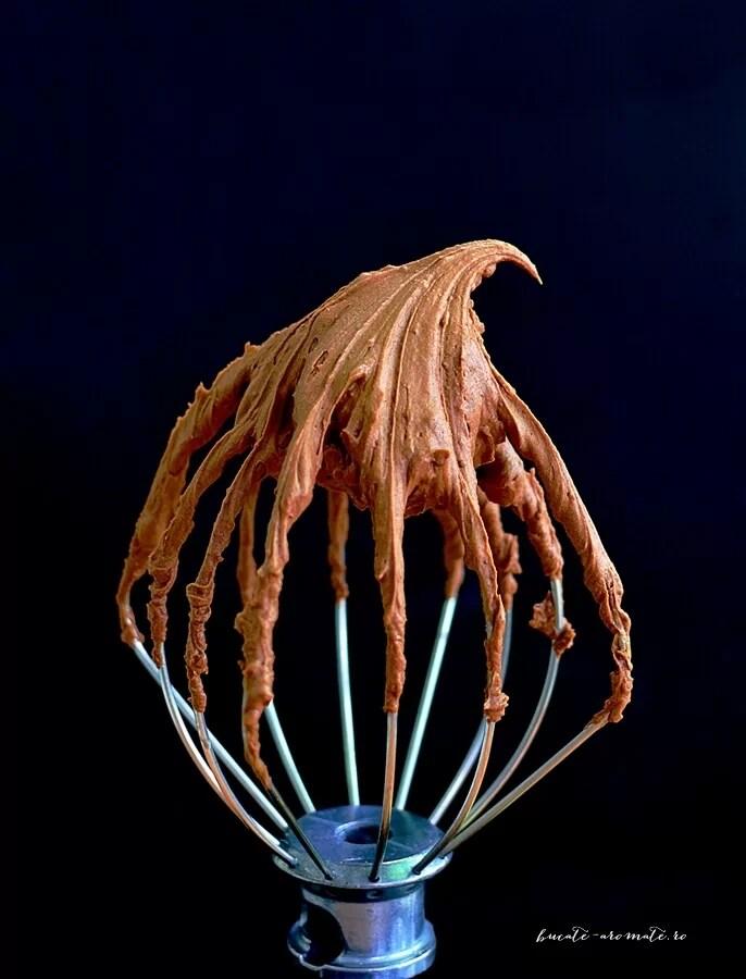 Cum se face crema de ciocolată (ganache de ciocolată)