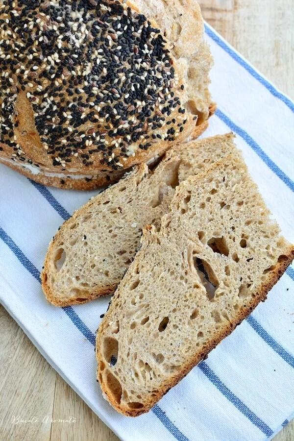 Pâine integrală cu ceapă