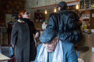 Brecht beim Kontakt zu einer Schauspielerin