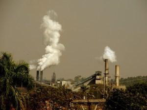 Die Industrialisierung verschlechterte für viele den Alltag (Foto: jrperes / pixabay.de)