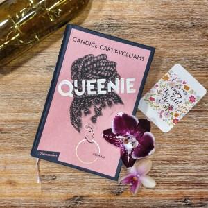 Das Hardcover zeigt einen Frauenkopf mit hochgesteckten Braids und Kreolen