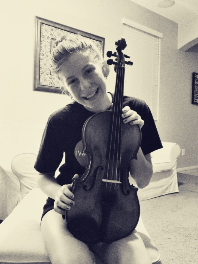 2013-08_jacey-viola-orchestra-player