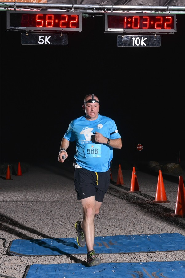 bryan-buchorn-et-10k-2015-finish-line