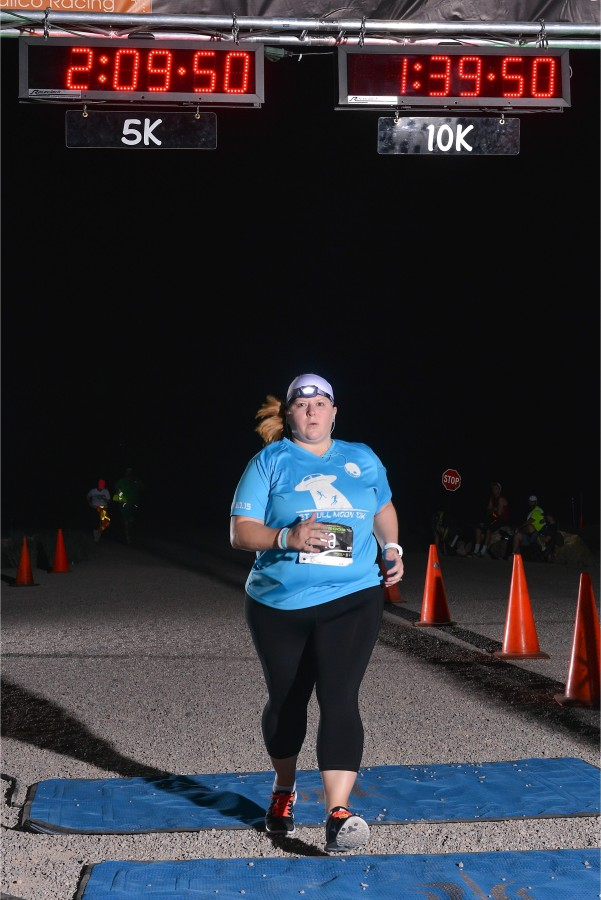lacey-buchorn-et-10k-2015-finish-line