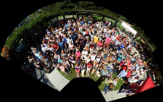 Photo of all picnic attendees from all classes