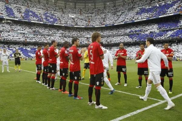 Mallorca hace el pasillo al Real MadridMallorca hace el pasillo al Real Madrid