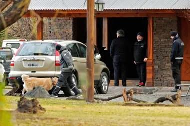 Por orden del juez Claudio Bonadio, la casa de Cristina Kirchner fue allanada durante tres días. Del operativo participaron perros entrenados para buscar dinero