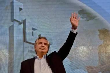 Alberto Fernández, el 17 de octubre, en el salón Felipe Vallese, en la CGT