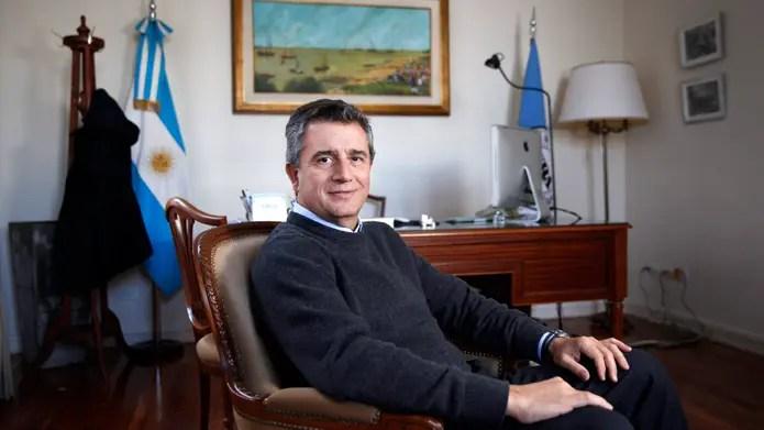 Más cambios en el Gabinete: se va Ricardo Buryaile de Agroindustria y lo reemplaza Luis Miguel Etchevehere